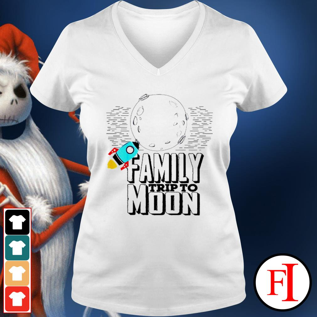 Family trip to Moon v-neck-t-shirt