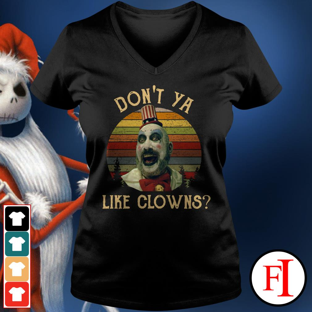 Captain Spaulding don't ya like clowns sunset V-neck t-shirt
