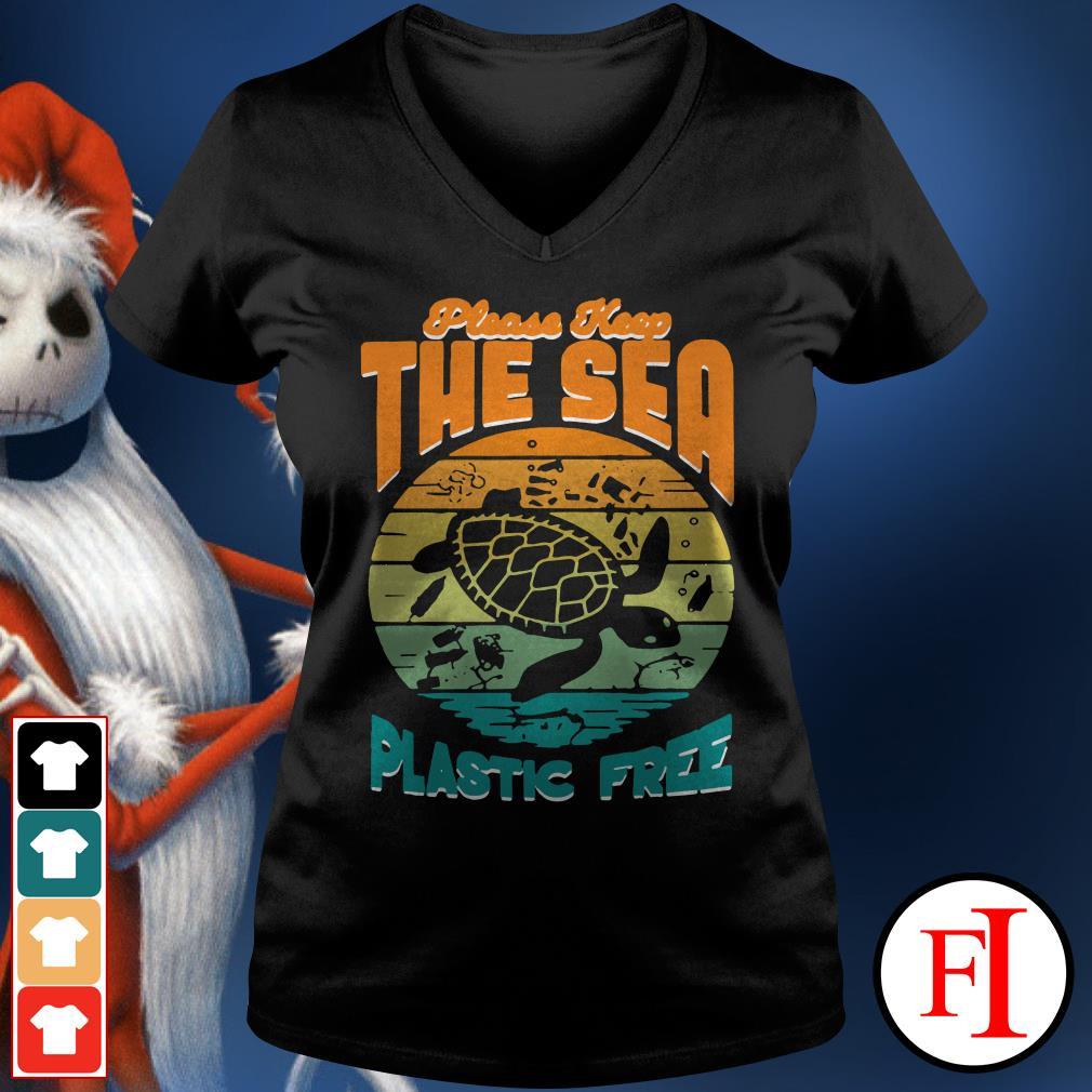 Turtle please keep the sea plastic free sunset V-neck t-shirt