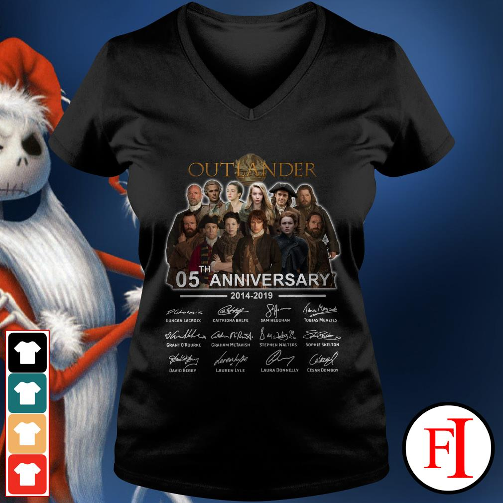 Outlander 05th anniversary 2014-2019 V-neck t-shirt