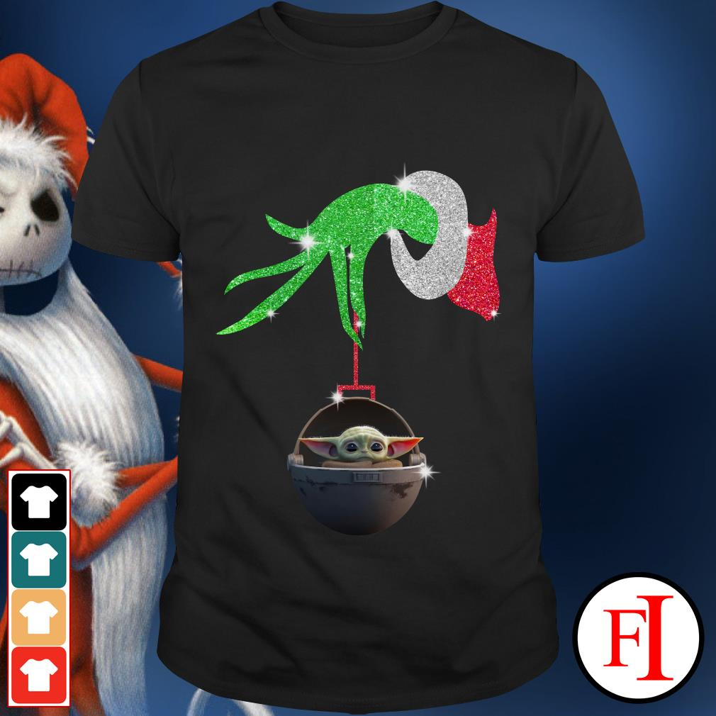 The Grinch hand holding Baby Yoda Tee shirt