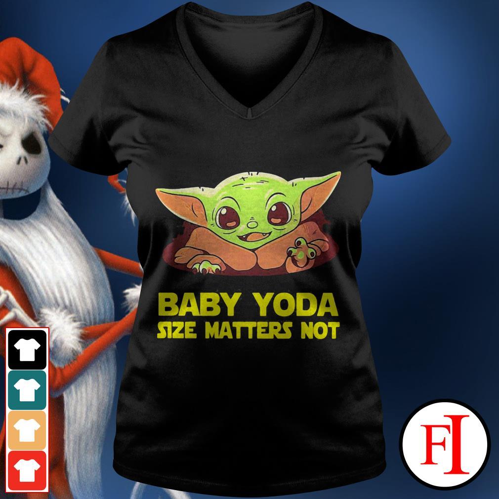 Baby cute Baby Yoda Size Matters Not V-neck t-shirt